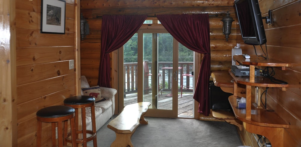 Room, HAWKS NEST LODGE AND RESTAURANT