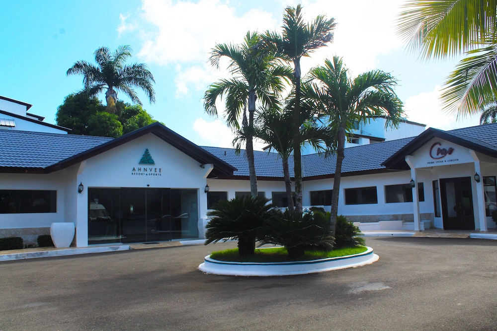 Front of Property, Ahnvee Resort Adults Only