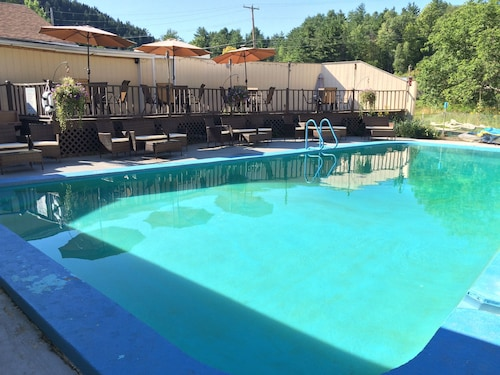 Great Place to stay Maplewood Lodge near Lyndonville