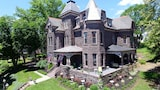 Reynolds Mansion Bed and Breakfast - Bellefonte Hotels