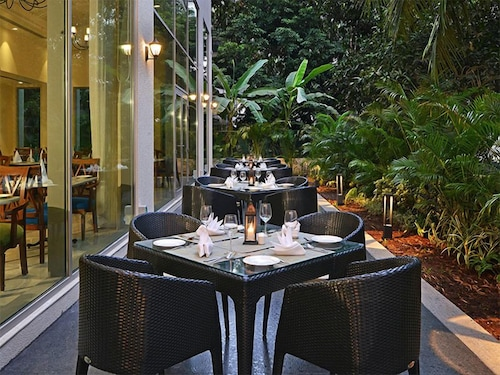 Outdoor Dining, Fortune Miramar - Member ITC Hotel Group