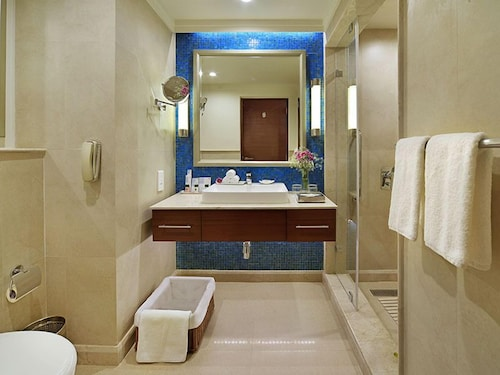 Bathroom, Fortune Miramar - Member ITC Hotel Group