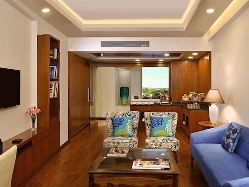 Living Room, Fortune Miramar - Member ITC Hotel Group