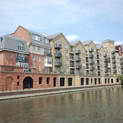 Riverside House Serviced Apartments