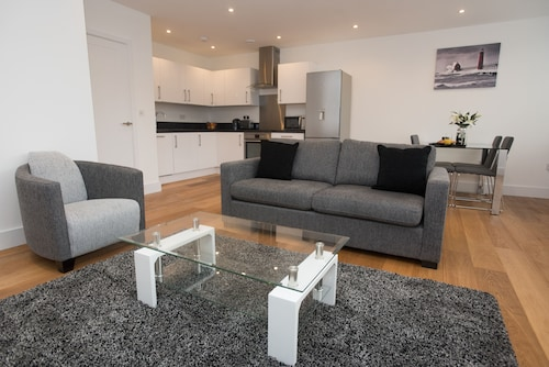 Celador Apartments - Sussex House Serviced Apartments