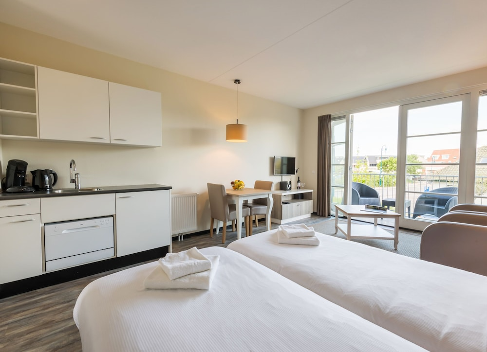 Roompot Strandplevier Hotelsuites 2019 Pictures Reviews Prices