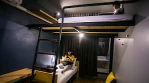 โต๊ะทำงาน, เตารีด/โต๊ะรีดผ้า, Wi-Fi ฟรี, ผ้าปูที่นอน