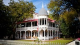 Gruene Mansion Inn Bed and Breakfast - New Braunfels Hotels