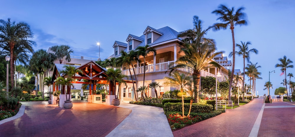 Front of Property - Evening/Night, Opal Key Resort & Marina, Key West