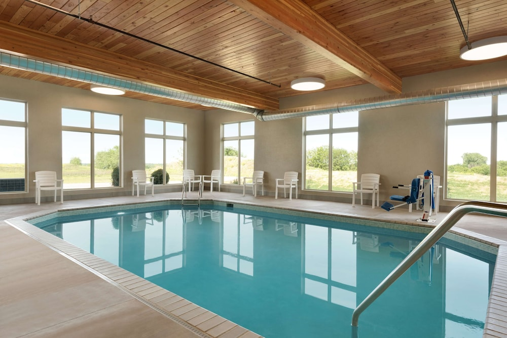 Indoor Pool, Country Inn & Suites by Radisson, Indianola, IA