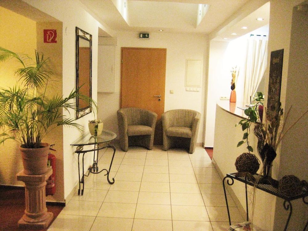 Hotel zum Schnackel in Wiesbaden | Hotel Rates & Reviews on Orbitz
