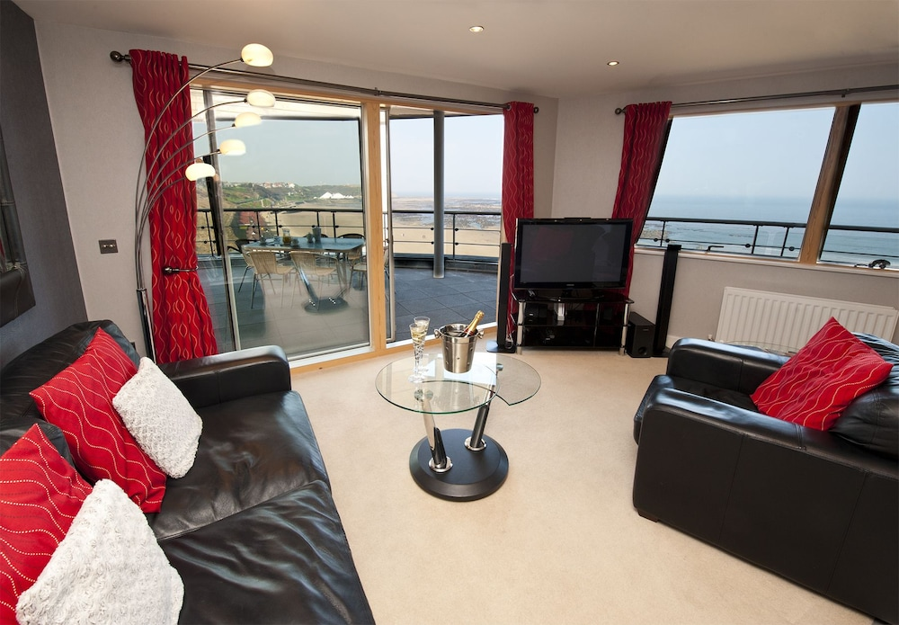 Room, The Sands - Sea Front Apartments