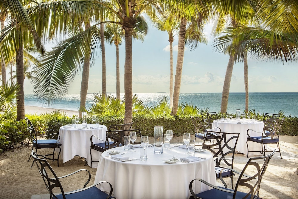 Outdoor Dining, Sunset Key Cottages