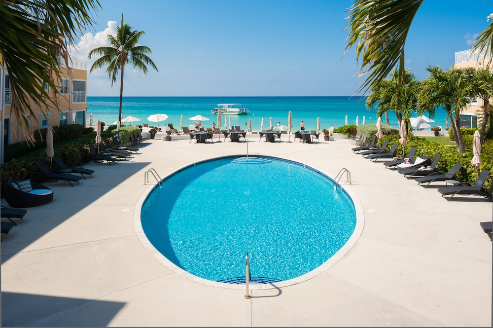 Outdoor Pool, Regal Beach Club