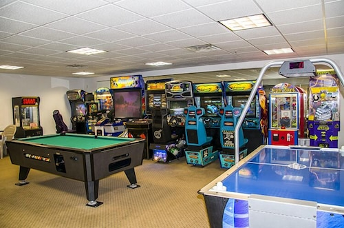 Game Room, Delavan Lake Resort