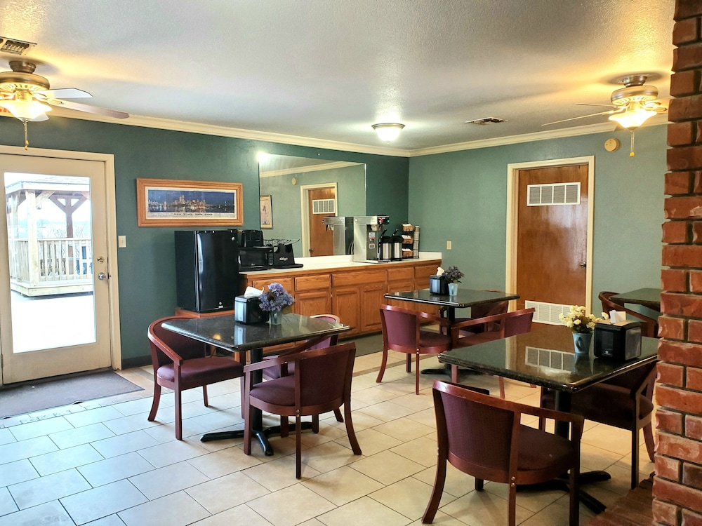 Coffee Service, Candlelight Inn & Suites Hwy 69 near McAlester