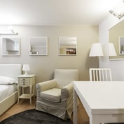Cadorna Center Studio by Flatscollection