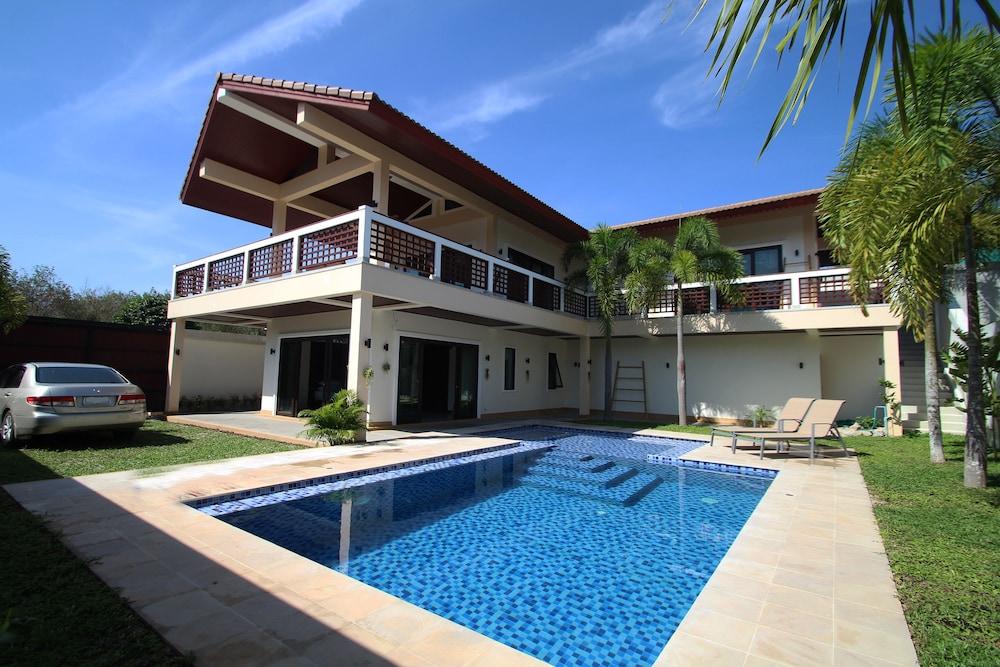 2125 outdoor pool residential infinity pools4 infinity