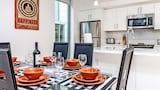 Arlington Fully Furnished Apartments, Sleeps 5-6 Guests - Arlington Hotels