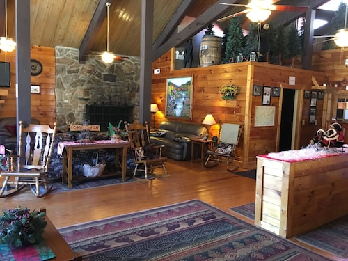Great Place to stay SMOKY FALLS LODGE near Maggie Valley