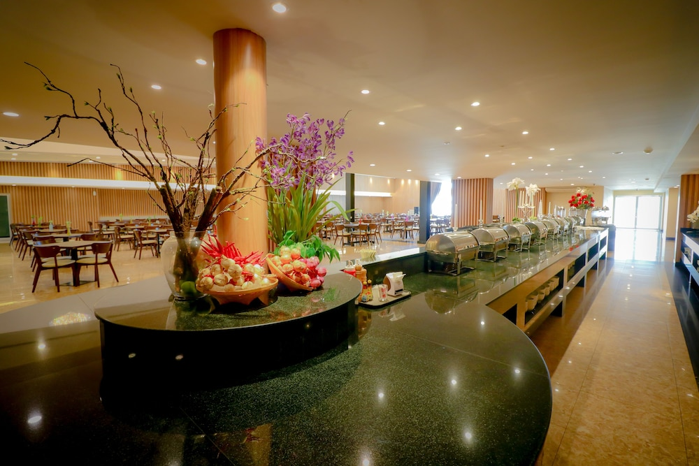 Buffet, The Cotai Luxury Design Hotel