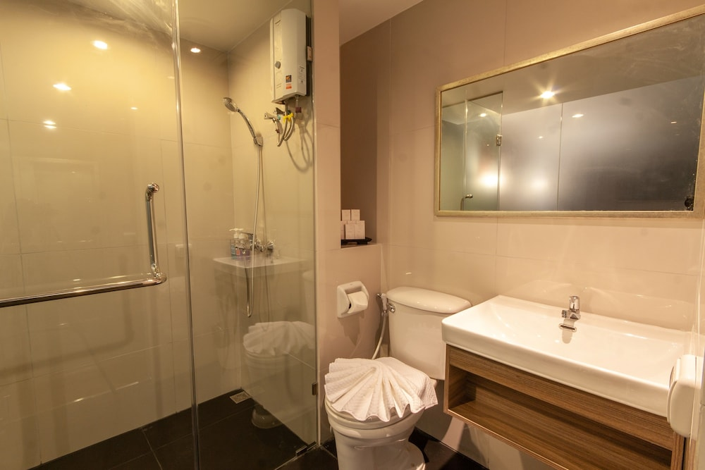 Bathroom, The Cotai Luxury Design Hotel