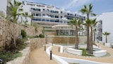 Ocean View Apartments - Marholidays - Elche Hotels