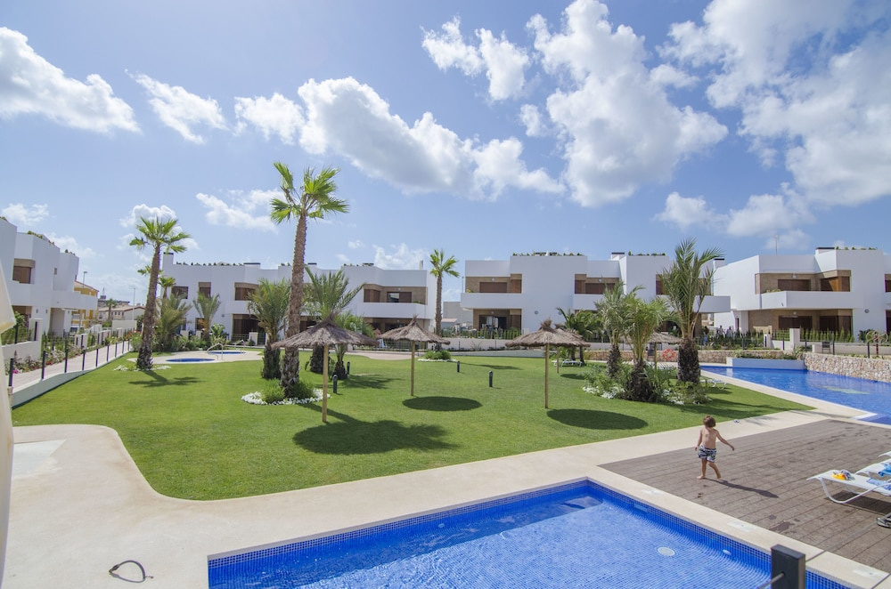 Outdoor Pool, Secreto de la Zenia Apartments - Marholidays