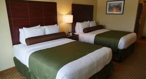Cobblestone Hotel & Suites Greenville