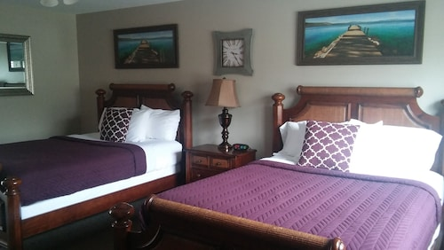 Check Expedia for Availability of Candlewyck Cove Resort