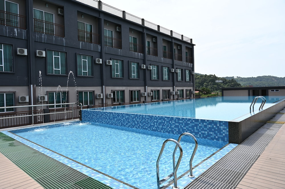 Outdoor Pool, Cenang View Hotel