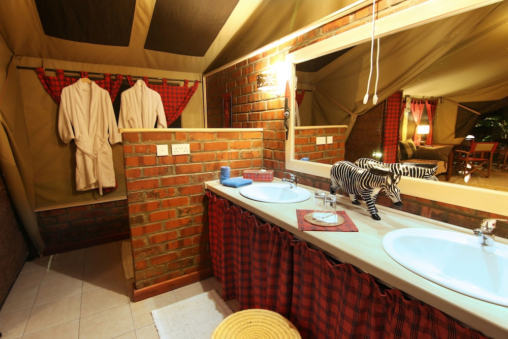 Bathroom Sink, Anga Afrika Luxury Boutique Camp Nairobi
