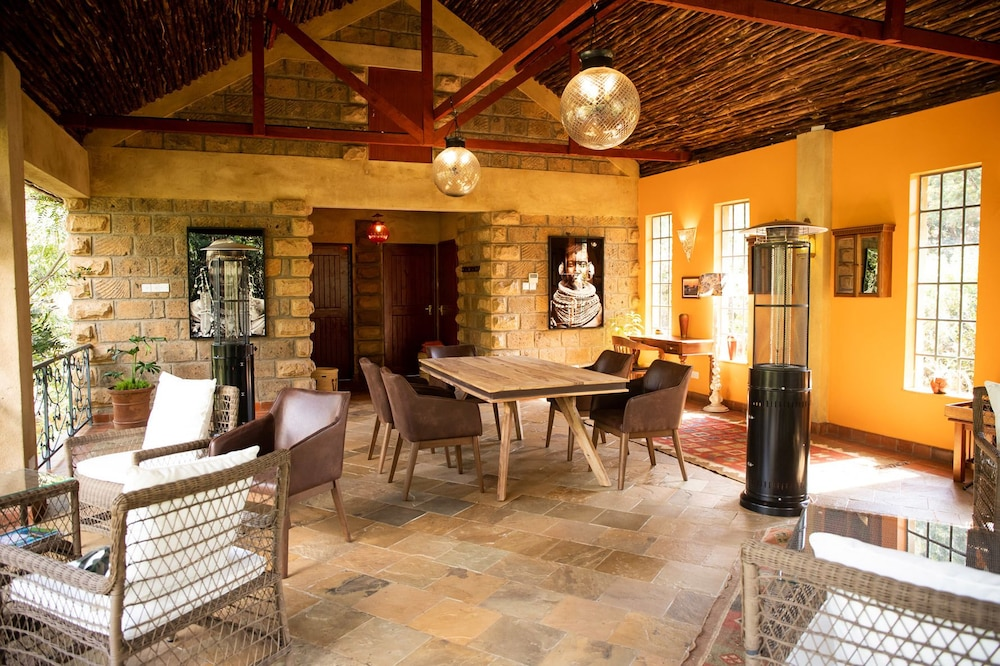 Family Dining, Anga Afrika Luxury Boutique Camp Nairobi
