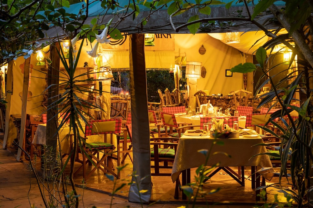 Restaurant, Anga Afrika Luxury Boutique Camp Nairobi