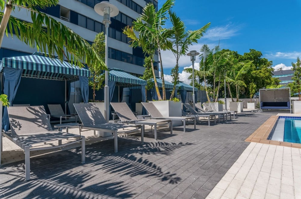 Book Nuovo Miami Apartments At Coconut Grove Miami Hotel