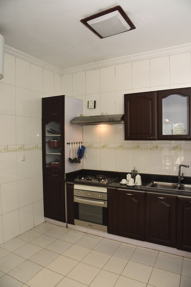 Private Kitchen, Diplomat Luxury Furnished Apartments