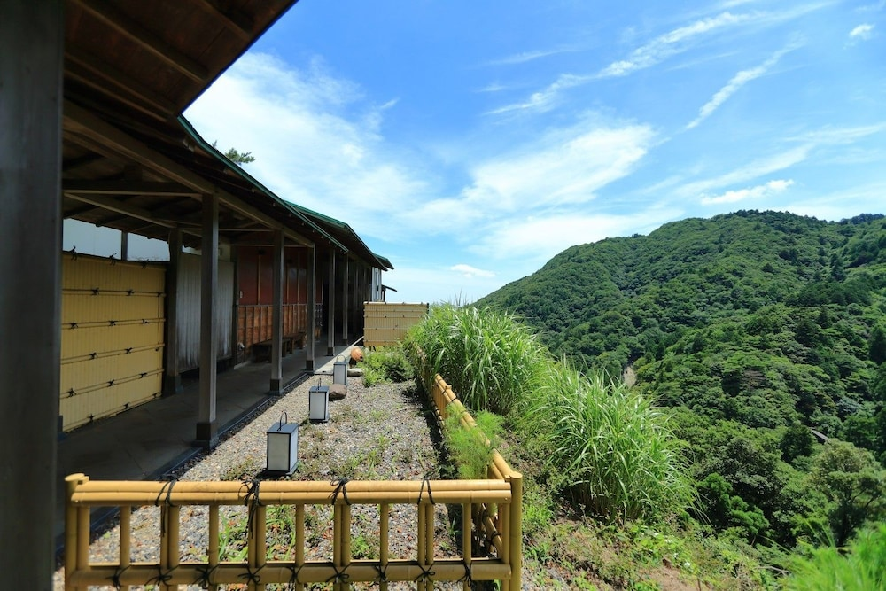 Mountain View, Hotel Yunomoto