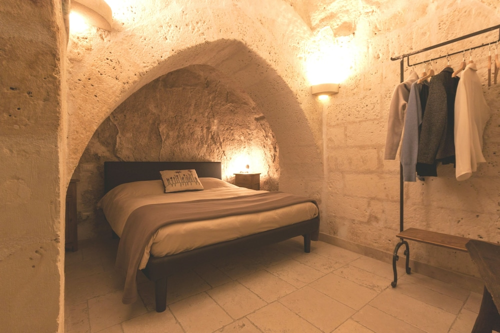 What Does Vasca Da Bagno Mean In English : La corte vetere in matera hotel rates & reviews on orbitz
