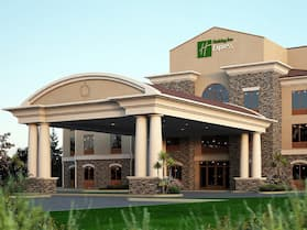 Holiday Inn Express & Suites Redding, an IHG Hotel