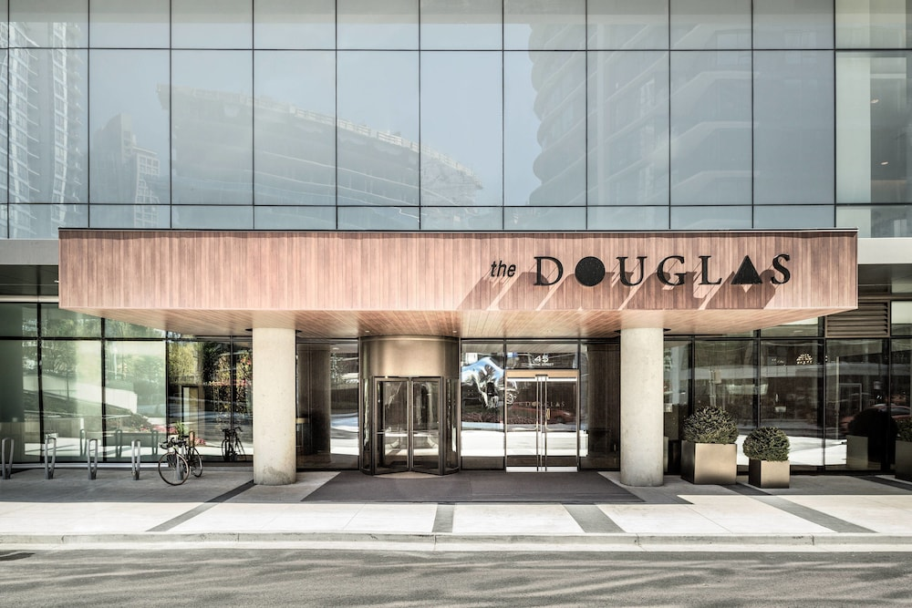 Exterior, the DOUGLAS, Autograph Collection