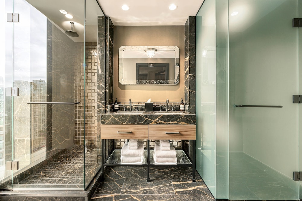 Bathroom, the DOUGLAS, Autograph Collection