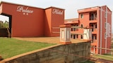 Guins Palace - Bafoussam Hotels