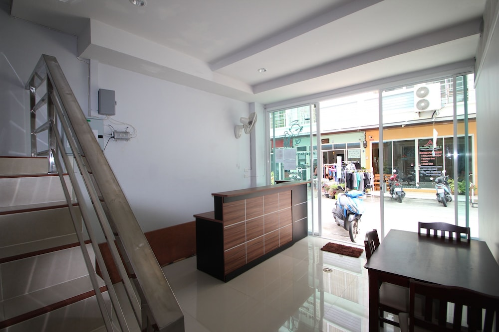 Reception, Angel Service Apartment Patong Beach Hostel