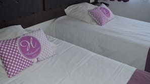 Ropa de cama de alta calidad, escritorio, tabla de planchar con plancha