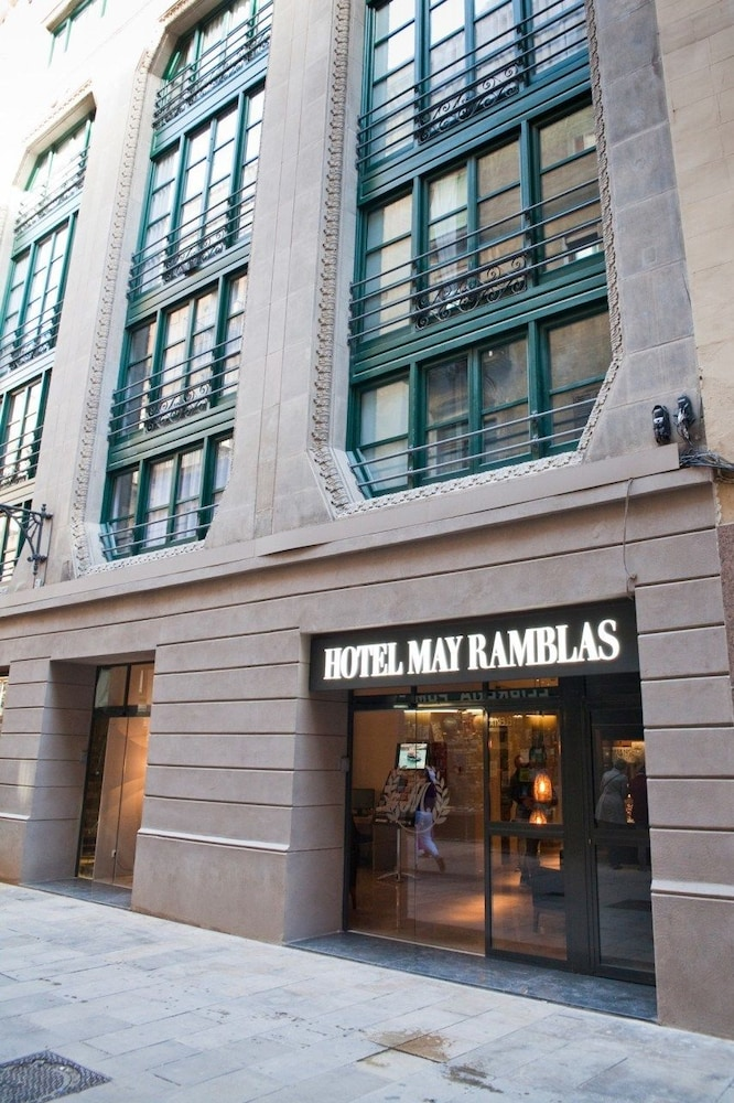 Cheap deals w hotel barcelona