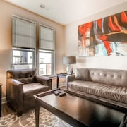 Global Luxury Suites in Sterling
