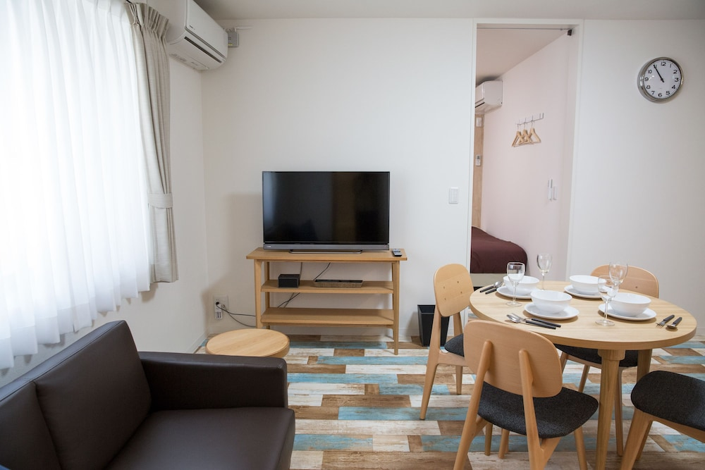 dormitory vs apartment Dorm vs apartment: which should you choose an article by unigo.