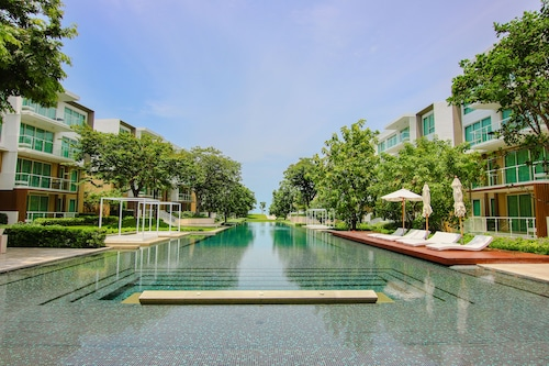 Hua Hin Luxury Beachfront Condo By Mon (THA 17706722 4.4) photo