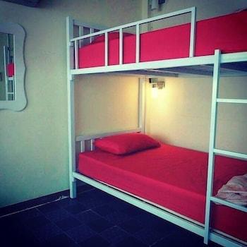 Empo Hostel at 30 Onnut