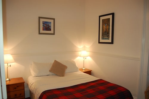 Emmaus Guest House Edinburgh